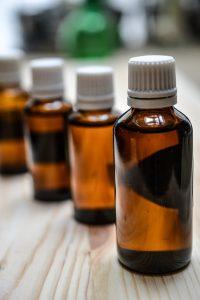 Waarom etherische oliën niet altijd goed zijn voor je huid
